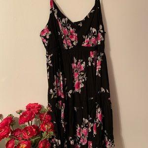 Black plus size floral torrid midi dress, size 5
